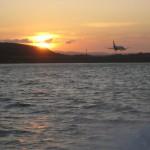 夕日の中の長崎空港