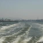 航跡(荒津大橋を背に)